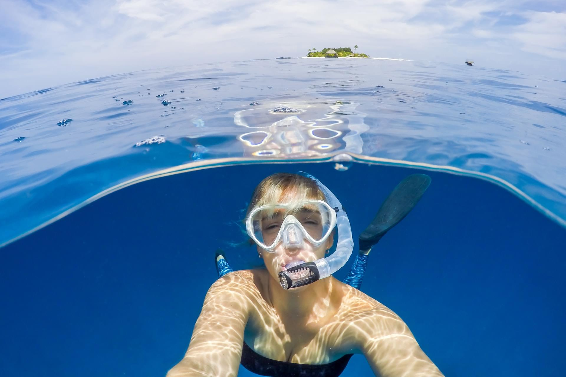 How to snorkel with glasses